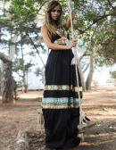 Foto de Devi Dress Negro; la Moda Hippie más Chic