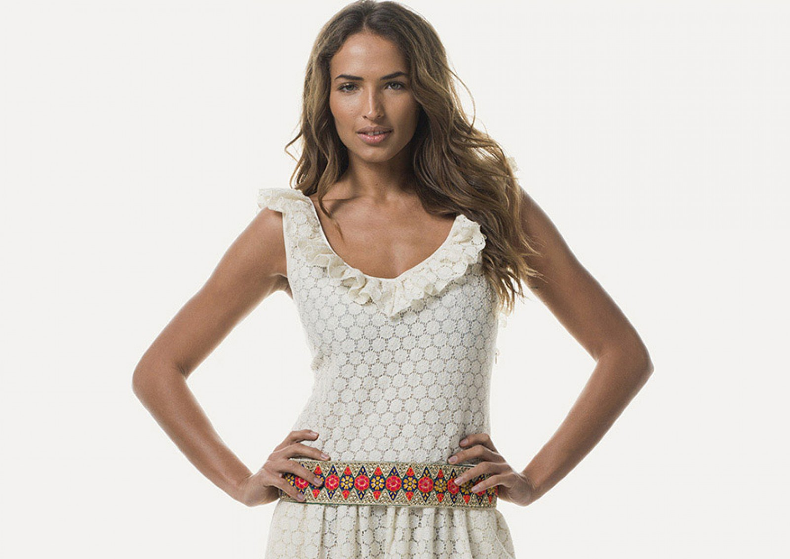 Vista frontal del Kari Dress, espectacular vestido de estilo boho chic.